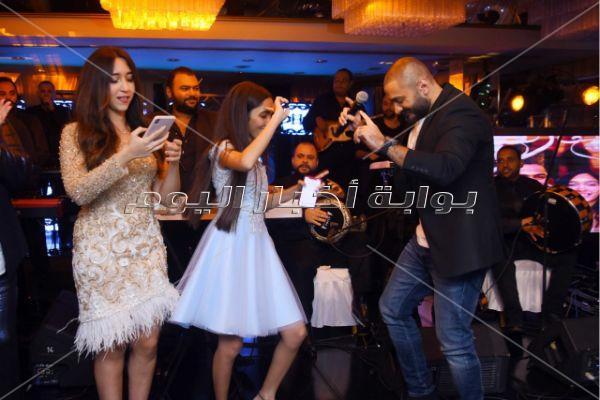 تامر حسني يحتفل بعيد ميلاد «مريم»