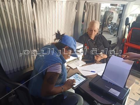 «بوابة أخبار اليوم» تعيش أول تجربة لأتوبيس الحي المتنقل