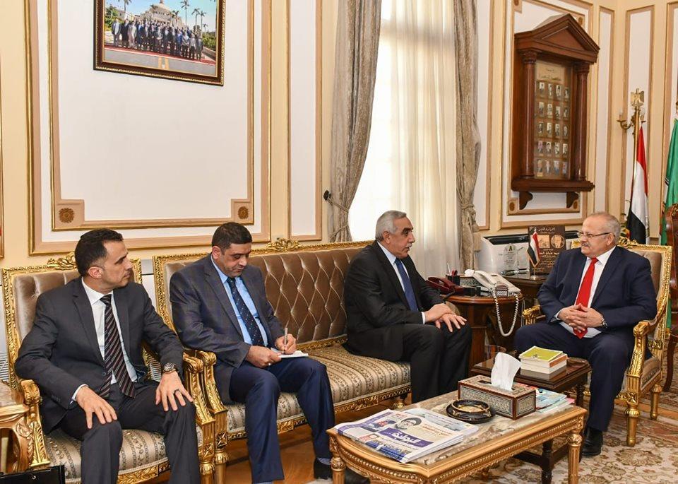 رئيس جامعة القاهرة يستقبل السفير العراقي لبحث سبل التعاون المشترك