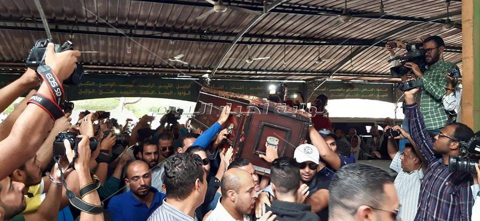 وصول جثمان هيثم احمد زكي