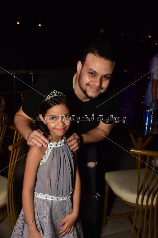 آمل رزق وغادة إبراهيم يحتفلان بعيد ميلاد ابنة هاني عبد ربه