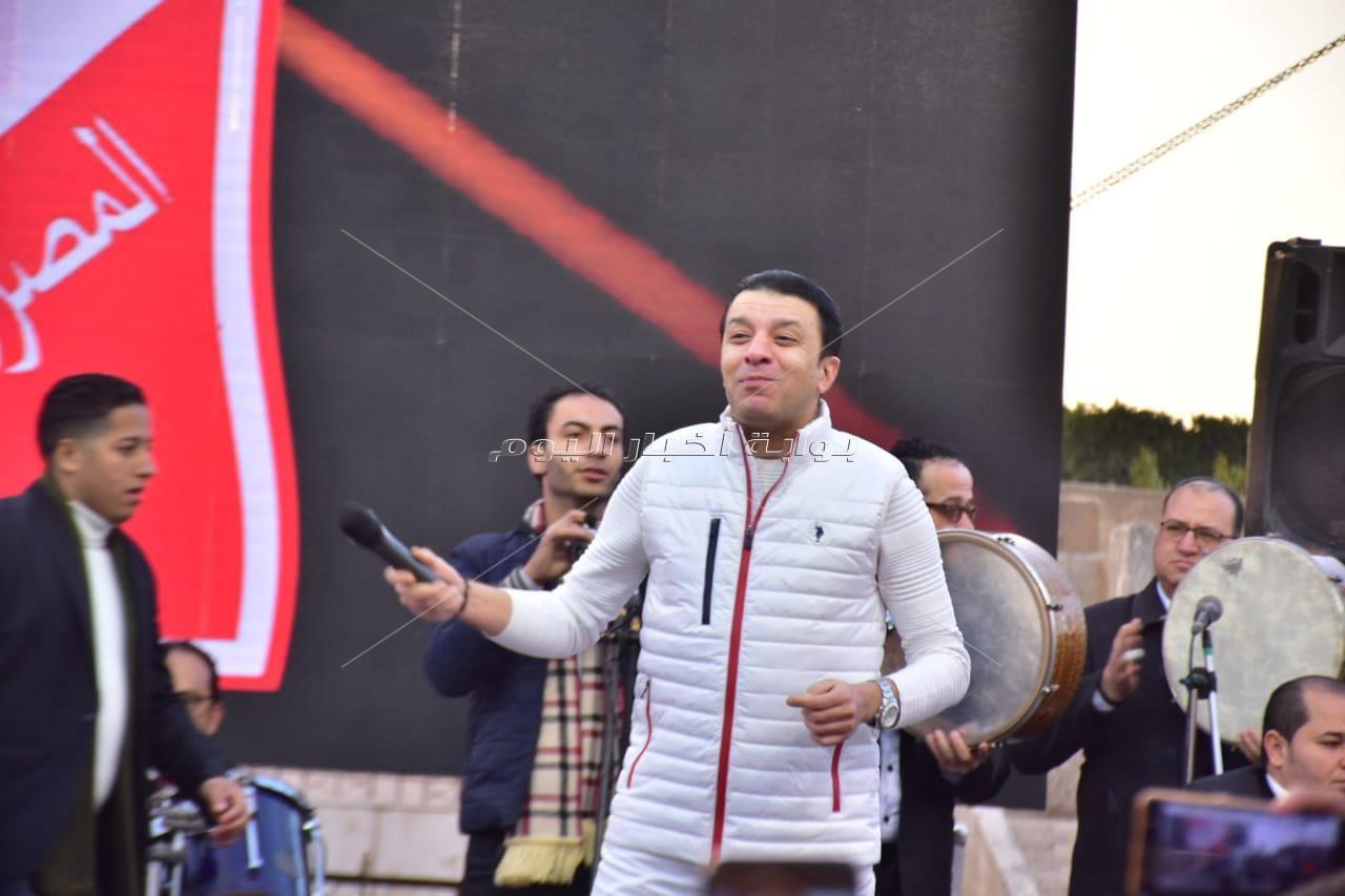 مصطفى كامل يُشعل احتفالية أعياد الشرطة بالأغاني الوطنية