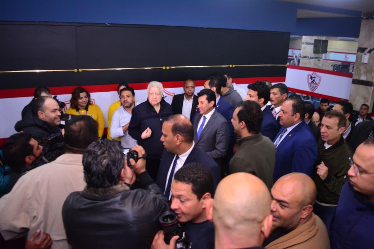 مرتضى منصور يستقبل وزير الرياضة في الزمالك