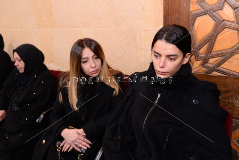 محمد محي وممدوح موسى في عزاء والدة هبة السيسي