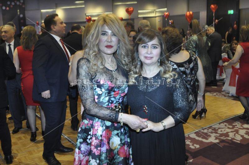 منى عراقي تشارك بحفل المنطقة الروتارية في عيد الحب