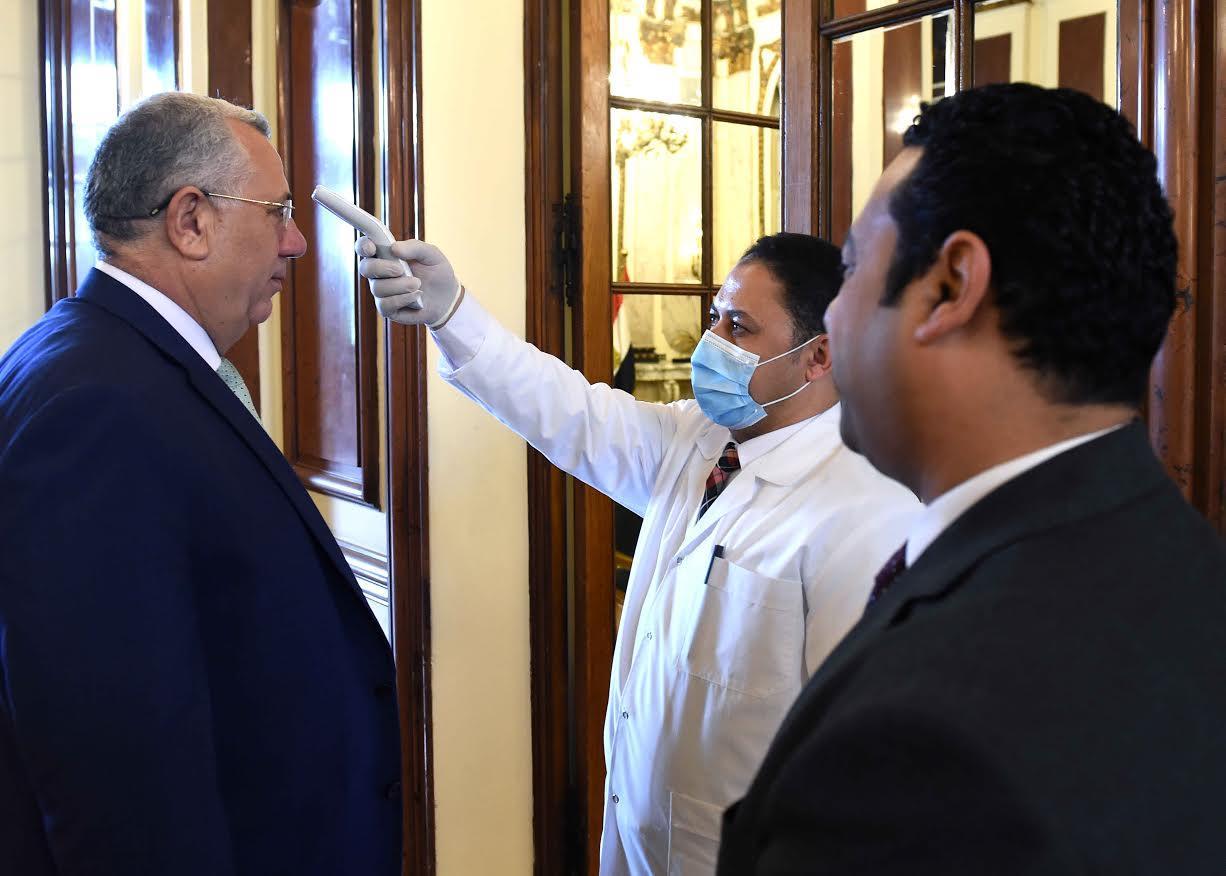 تحليل فيروس كورونا لاعضاء الحكومة