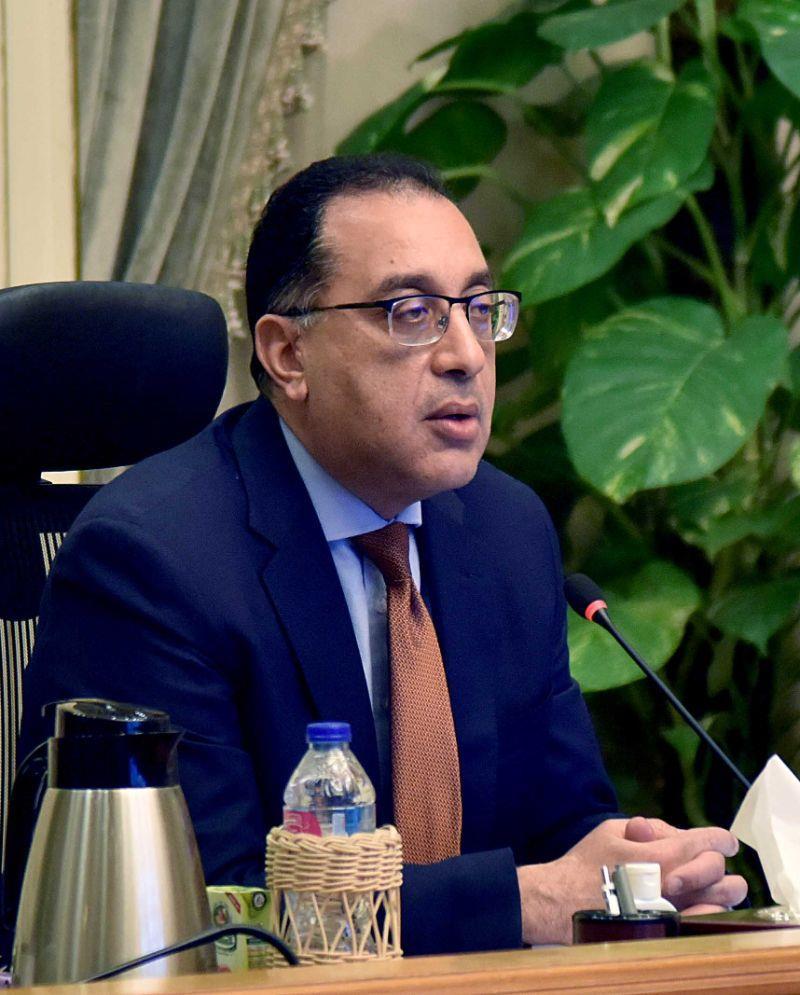"""رئيس الوزراء يناقش إجراءات مواجهة تداعيات فيروس """" كورونا"""" وجهود توفير السلع بمناسبة شهر رمضان"""