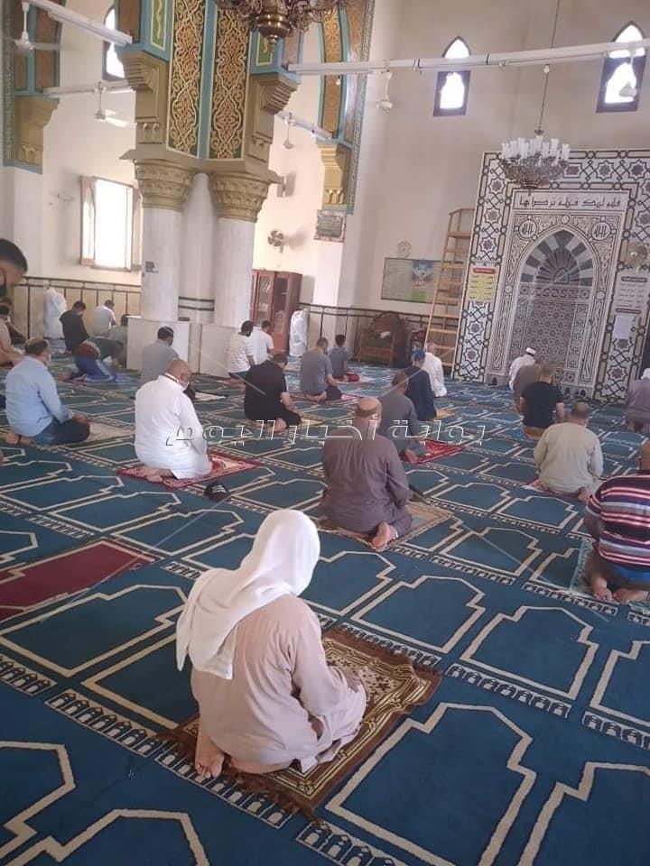 مساجد جنوب سيناء تستقبل المصلين بالتعقيم والتطهير