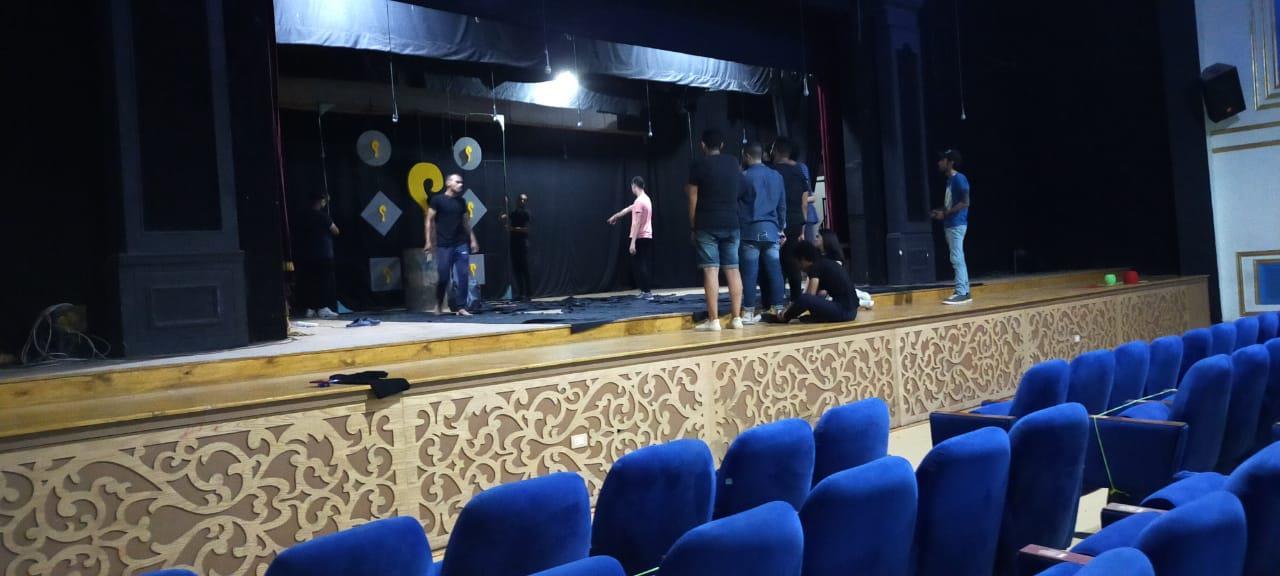«مسرح شو» يختتم موسمه الأول بعرض أبهر الجمهور والنقاد