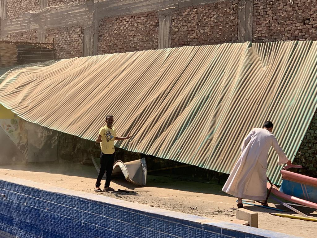 محافظة الجيزة تزيل حمام سباحة مارينا بشتيل