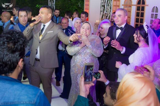 الليثي يتألق في حفل زفاف «مراد وشروق»
