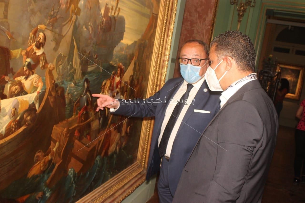 بالصور...ايناس عبد الدايم تفتح معرض مختارات من الفن الاروبي