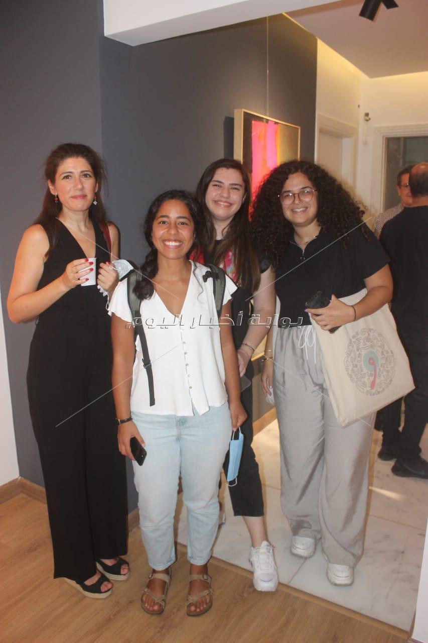 ميس حمدان تشارك في افتتاح معرض وليد طاهر