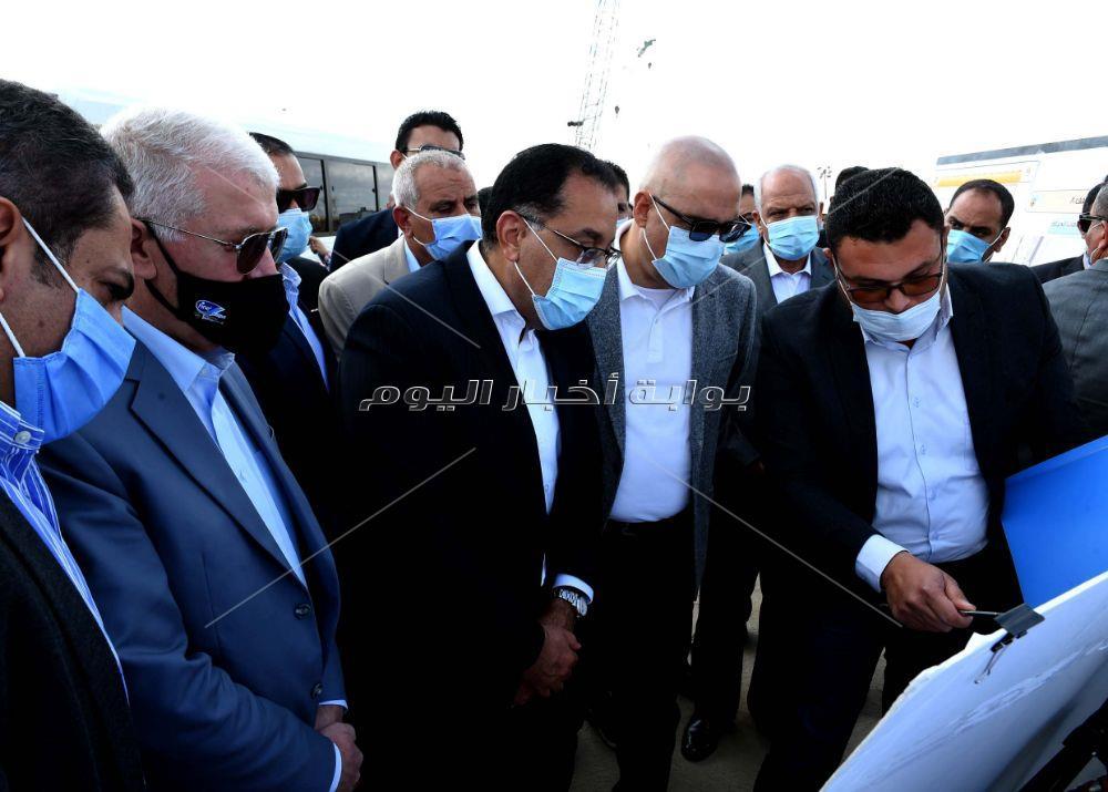 رئيس الوزراء يشيد بالطفرة الهائلة في محاور وطرق 6 أكتوبر