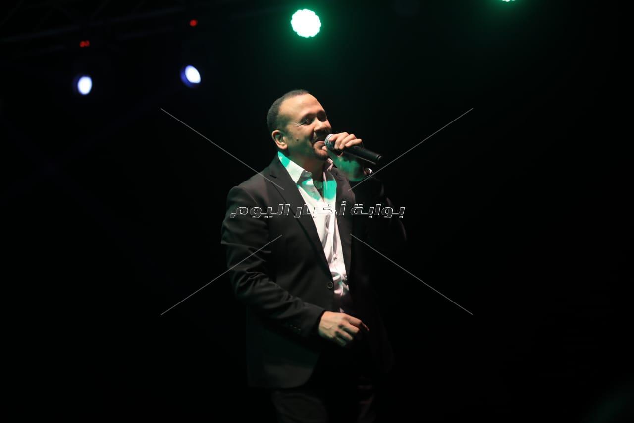إلغاء حفل هشام عباس ومصطفي قمر بالجونة بسبب محمد زيدان