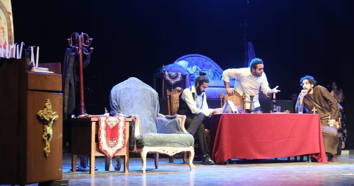 «الأخوة كرامازوف» ضمن عروض مواسم نجوم المسرح الجامعي بالهناجر