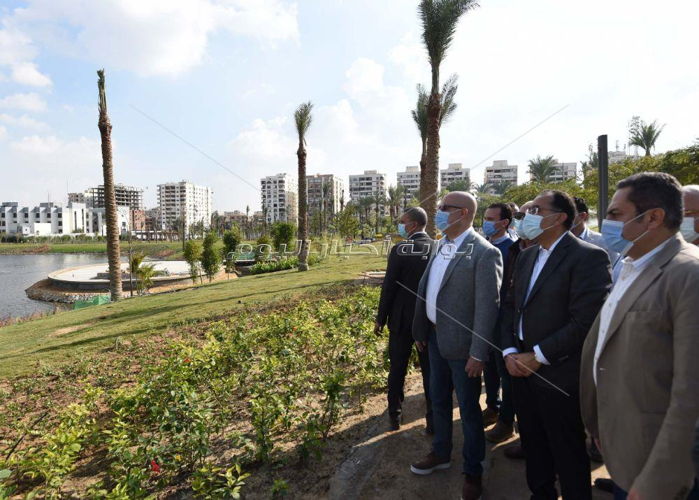 رئيس الوزراء يُتابع من الموقع أعمال تطوير عين الصيرة
