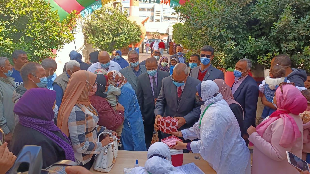 صور.. بدء انطلاق الحملة القومية للتطعيم ضد مرض شلل الأطفال بالقليوبية