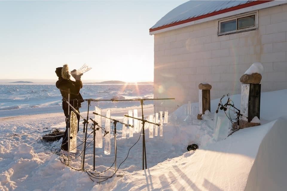 طبول و أبواق من الجليد لاحلى مطعم بين الثلوج في كندا