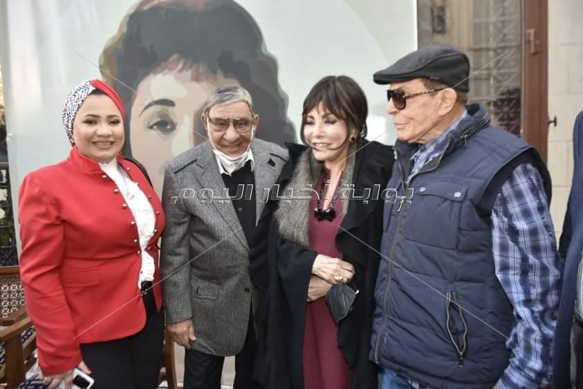 حفل توقيع كتاب لبنى عبد العزيز