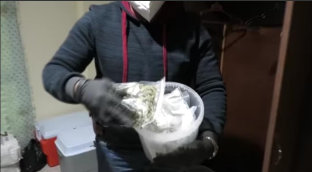 مصنع مخدرات