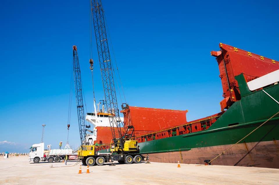 تصدير 6 آلاف طن أسمنت سيناء من ميناء العريش