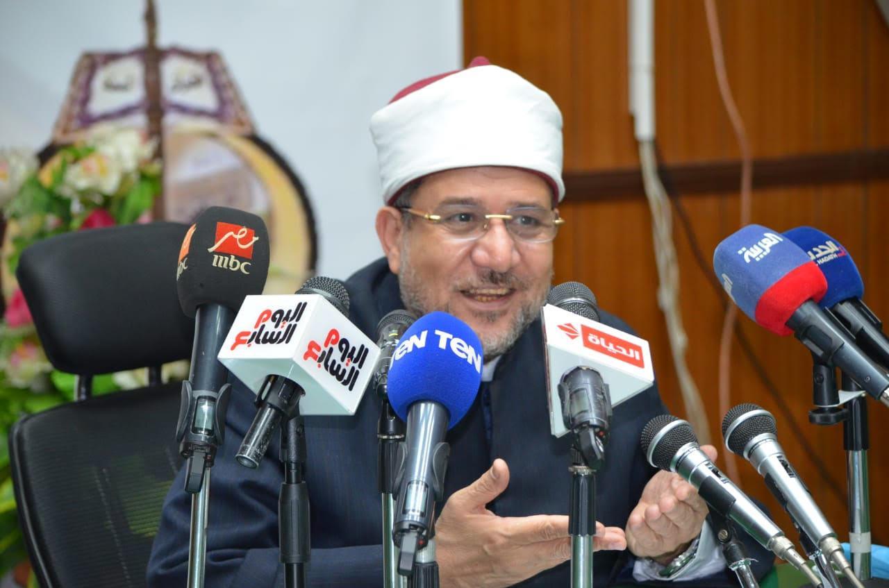 وزير الأوقاف يعلن ضوابط العمل بالمساجد في رمضان