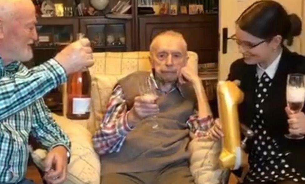عمل في أمراض النبات لمدة 70 عامًا ..من هو عميد البشرية