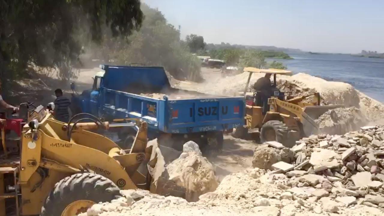 وزارة الرى تواصل شن حملات إزالة التعديات على نهر النيل