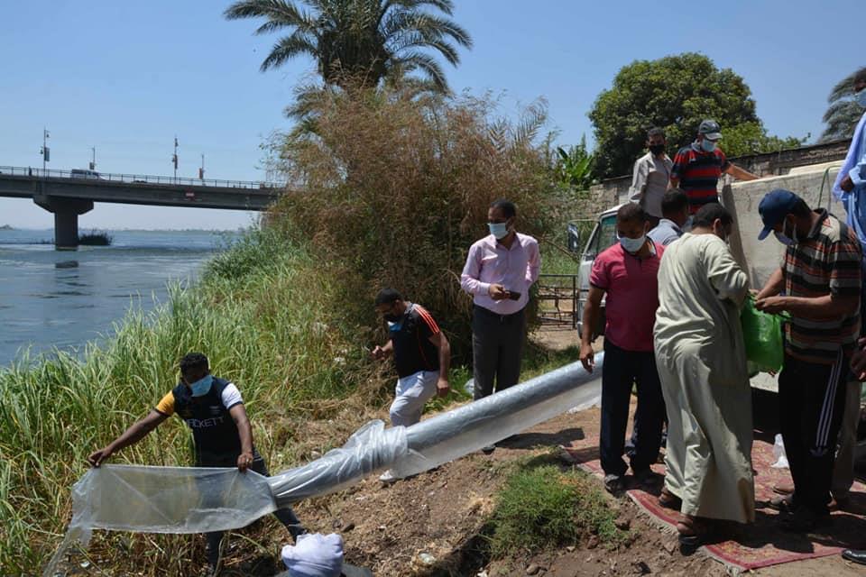 خلال إلقاء 3 مليون وحدة زريعة البلطي في نهر النيل