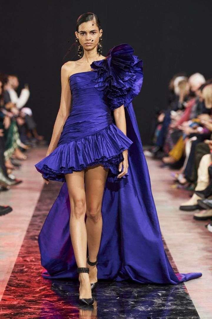 الموديلات لفساتين خطوبة صيف 2021