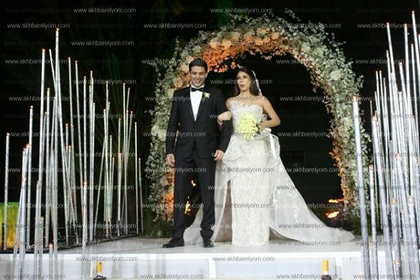 عاصي الحلاني يُغني وجوهرة ترقص بزفاف «حسن وندا»