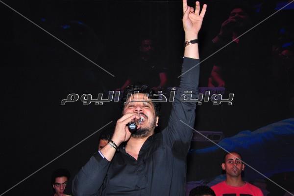 محمد منير يشارك نجوم الفن افتتاح خيمة «فتافيت السكر»