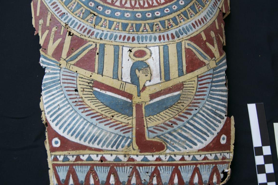 قطع أثرية للحضارة المصرية القديمة بـ «نابولي»