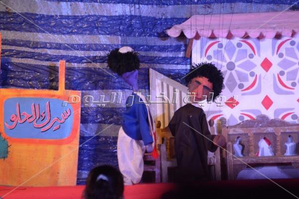 إيناس عبد الدايم وخالد جلال يشاهدن عرض «الليلة الكبيرة» بساحة الهناجر
