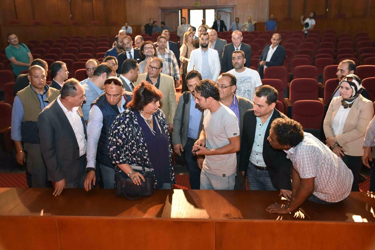 وزيرة الثقافة تتفقد المركز الثقافي بطنطا