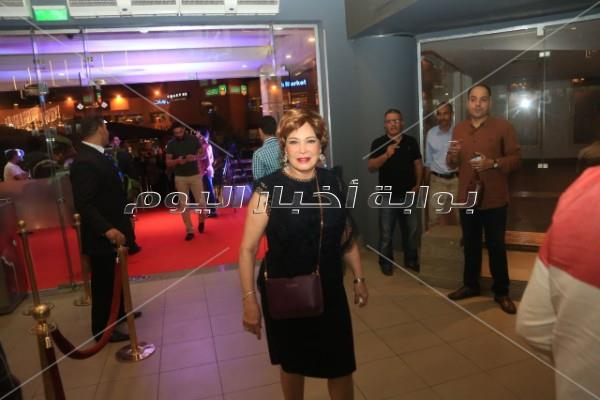 فنانون وشخصيات عامة يحتفلون بعرض فيلم «كارما»