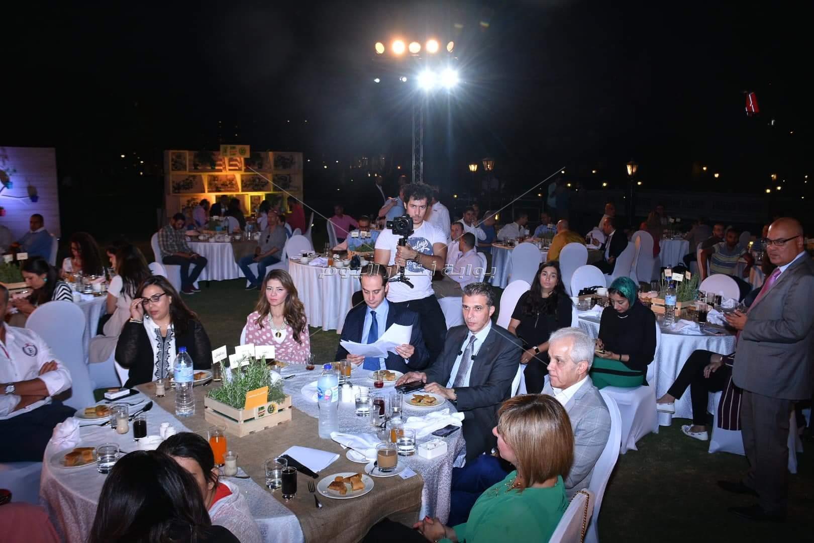 درة ولميس الحديدي بحفل إفطار «كمل كرمك»درة ولميس الحديدي بحفل إفطار «كمل كرمك»