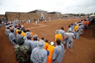 كأس العالم ينطلق في سجون كينيا أولا
