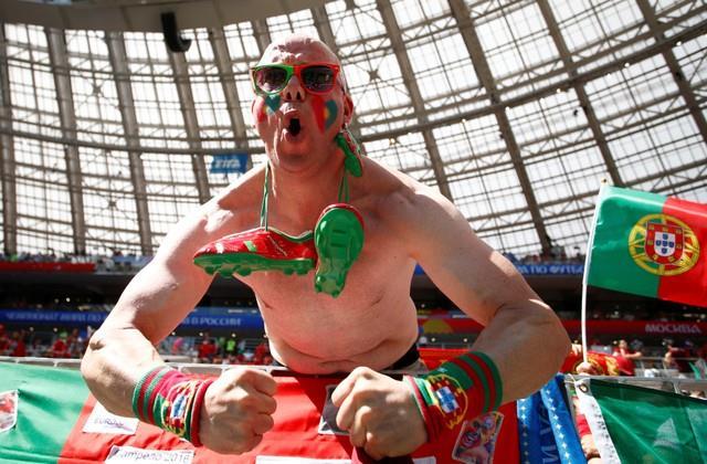 روسيا 2018 | بالصور ..تقاليع البرتغال في ملعب لوجنيكي