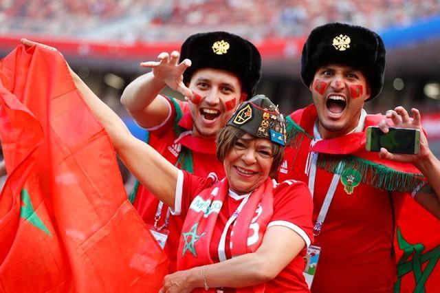 روسيا 2018 | بالصور ...جميلات المغرب والبرتغال تزين ملعب لوجنيكي