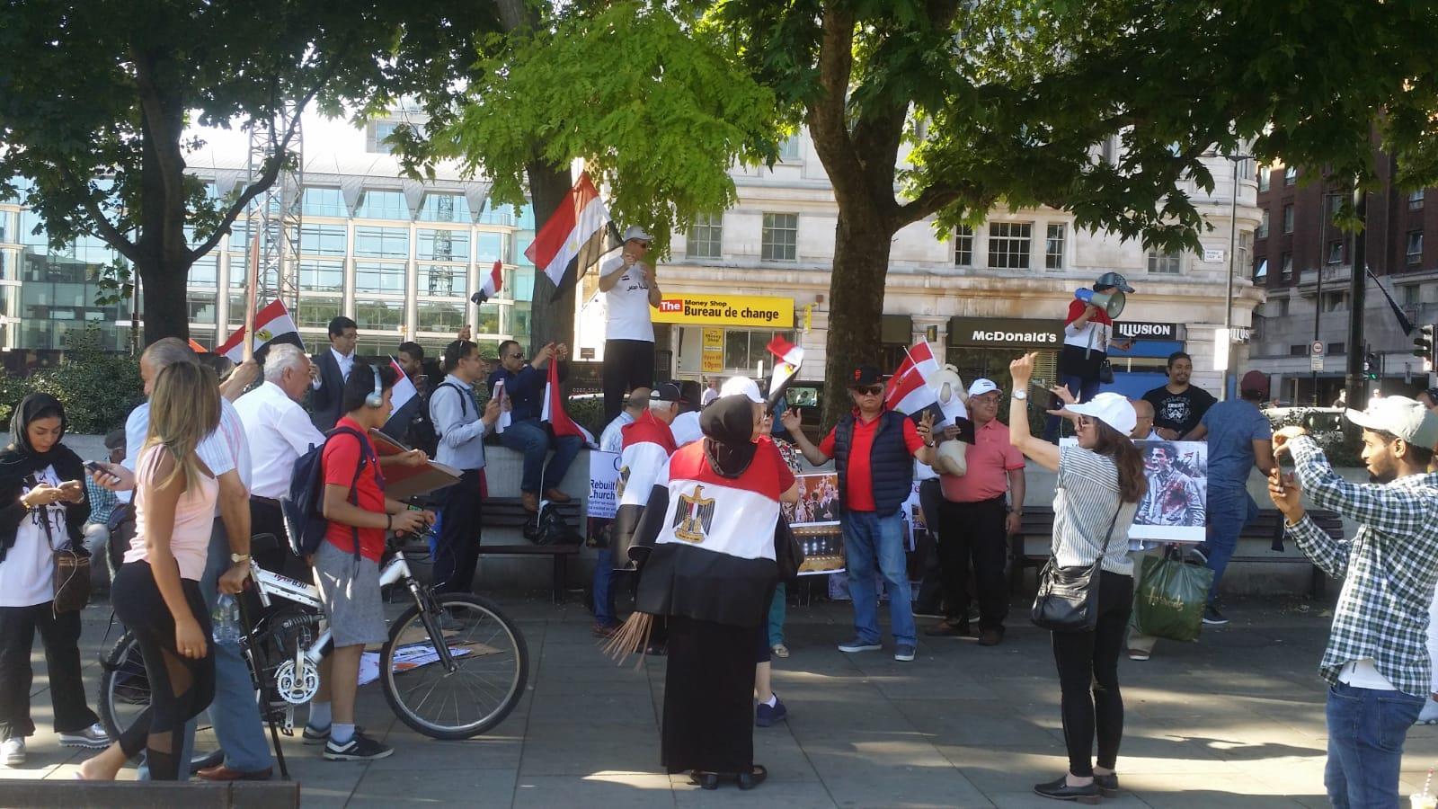المصريون بلندن يحتفلون بذكرى ثورة 30 يونيو