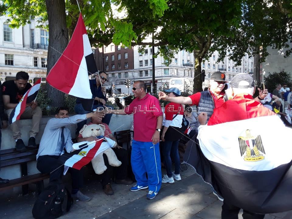 الجالية المصرية في بريطانيا تحتفل بذكرى ثورة 30 يونيو :