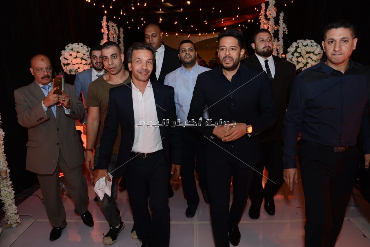 حماقي ورامي صبري والليثي يحيون زفاف «محمد ورنا »