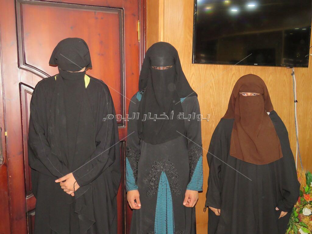 ضبط 3 اشخاص بينهم سيدة متنكرين بزي النقاب بغرض السرقة بالاسماعيلية