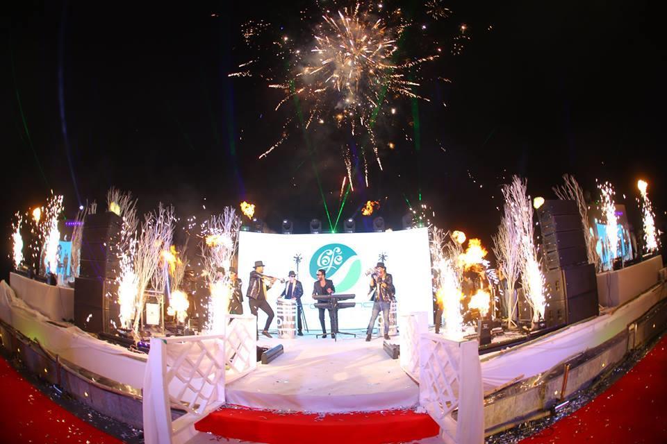 نجوم الطرب في افتتاح «روتانا كافيه»