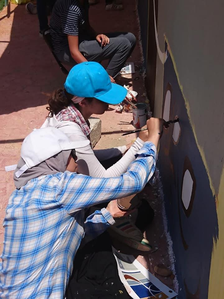 """بالصور.. طلاب""""الفنون التطبيقية"""" يجملون مدينة الشروق"""