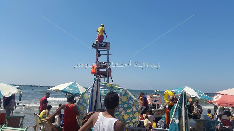100 رجل انقاذ لتأمين شواطئ راس البر