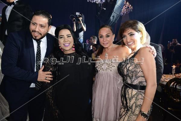 حماقي وبوسي وأوكسانا يتألقون في زفاف «أحمد وآلاء»