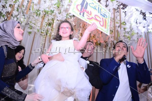 الليثي يُحيي زفاف «مصطفى ودينا» بحضور وزير التموين